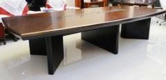 怎样挑选到适合的实木会议桌