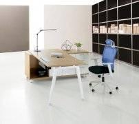 <b>深圳巨米家具盘点钢制办公桌的材质特点</b>